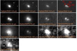 Multiples images de la galaxie NGC1750
